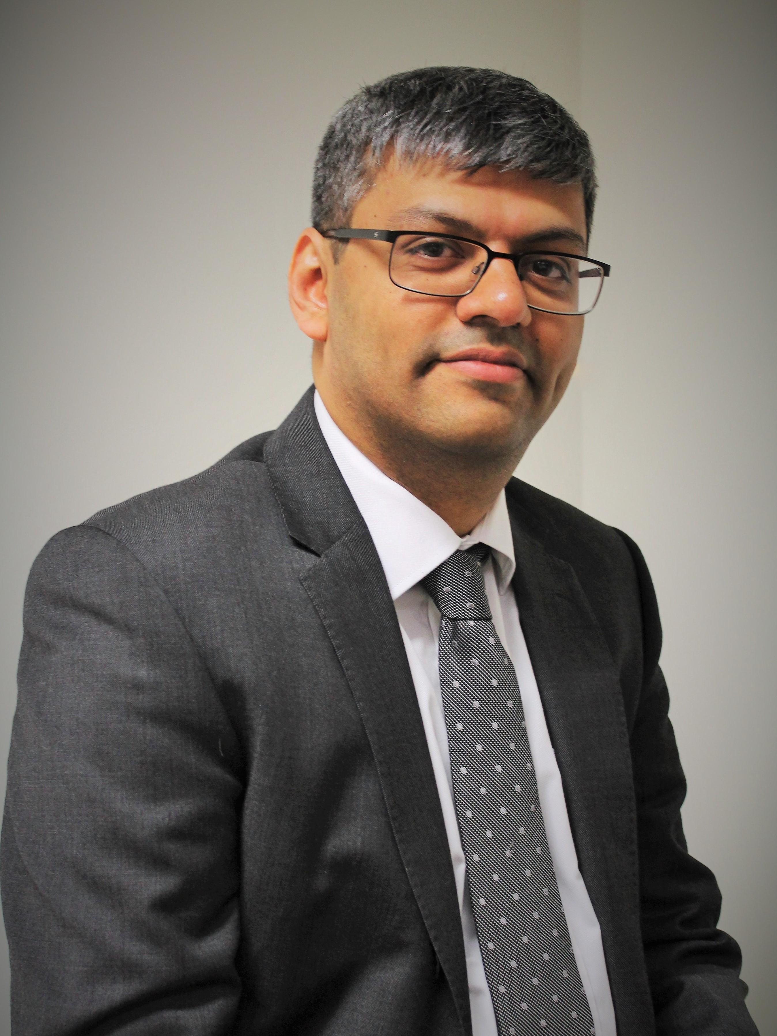 Dr. Divyanshu Dua